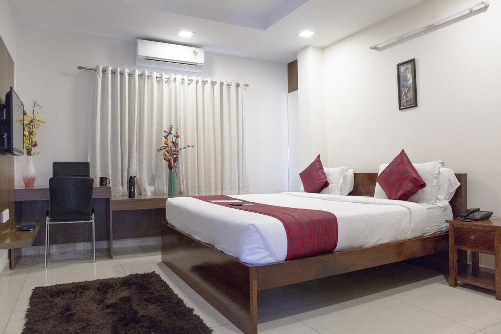 Executive Rooms in Banjara Hills Road No. 10, Indo-American Cancer Hospital