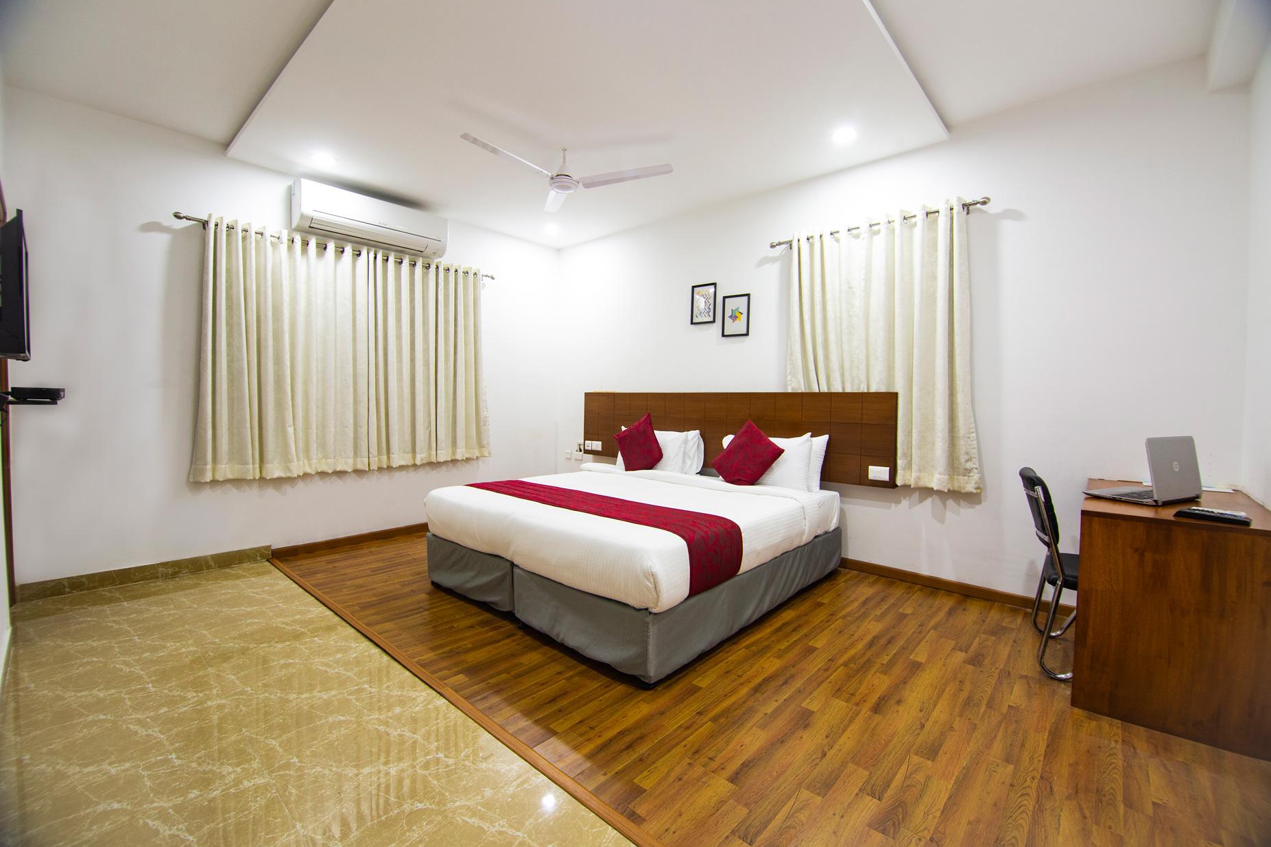 Executive Rooms in Banjara Hills Road No. 11