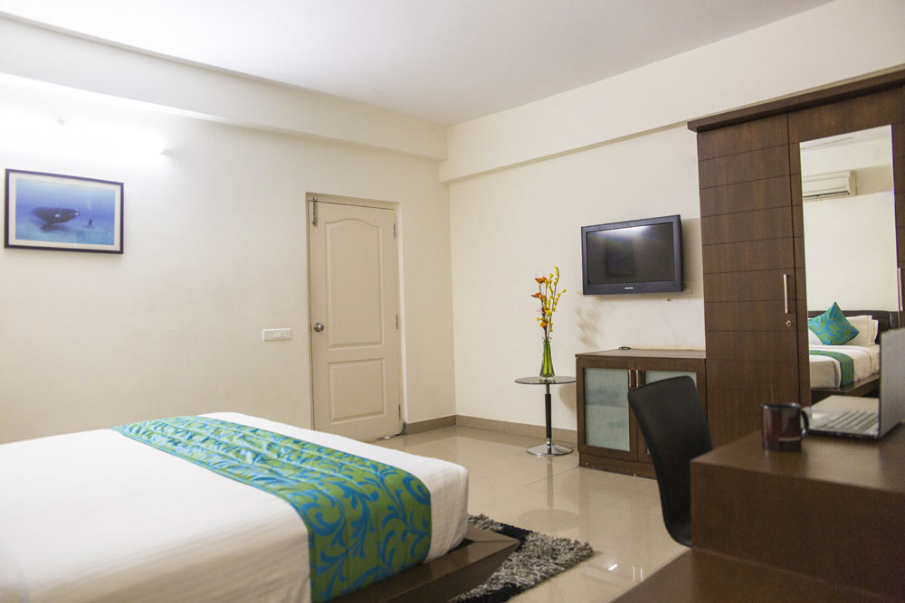 banjara-hills-city-central-mall-executive-room-1.jpg