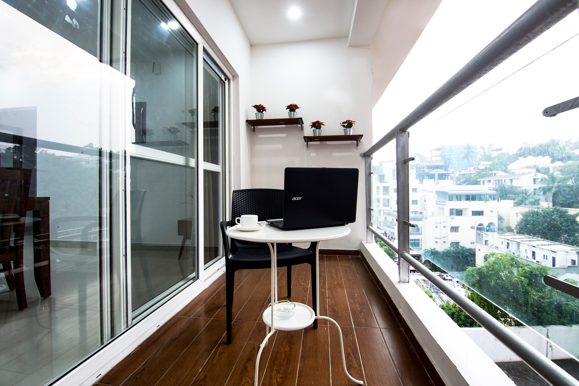 skyla-service-apartment-hyderabad-banjara-hills-bluefox-restaurant-executive5.jpg