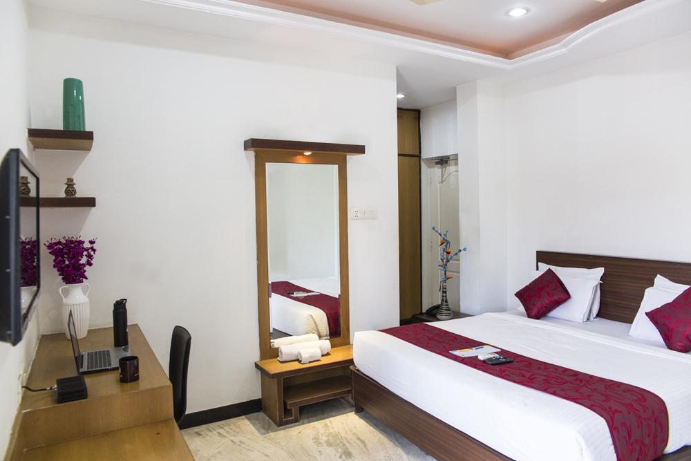 skyla-service-apartment-hyderabad-banjara-hills-opp-karachi-bakery-3bhk2.JPG
