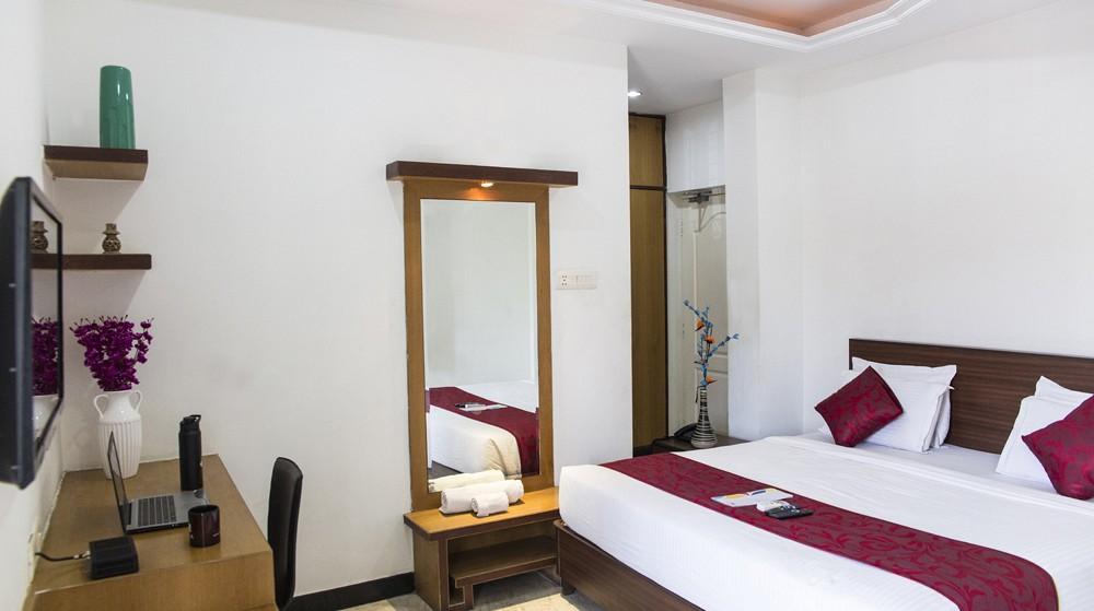 3 Bhk Serviced Apartments At Banjara Hills  Road No  13