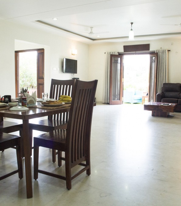 This 3 Bedrooms Villa Apartment Is 3000 Sq Ft In The Area And Fully Furnished All Three Have Attached Bathrooms Which A Glass