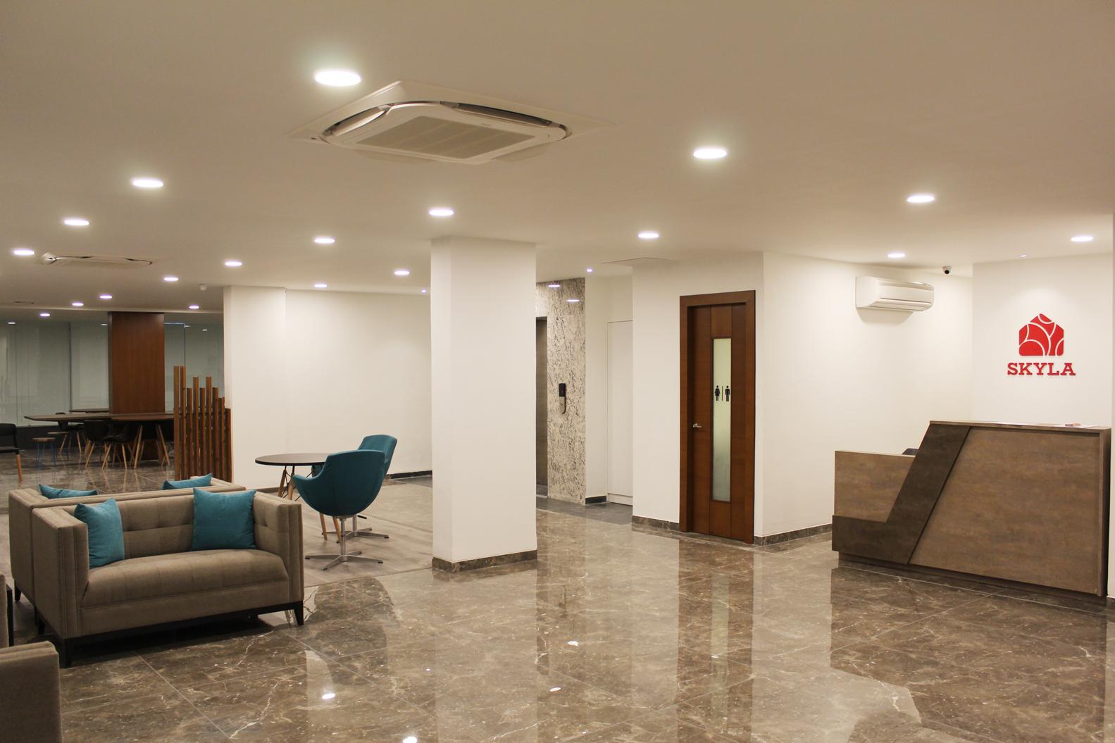 skyla-service-suits-hyderabad-jubilee-hills-studio-kitchenette-balcony5.jpg