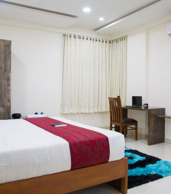 No Bedroom Apartment: Jubilee Hills, Road No. 50,Lotus