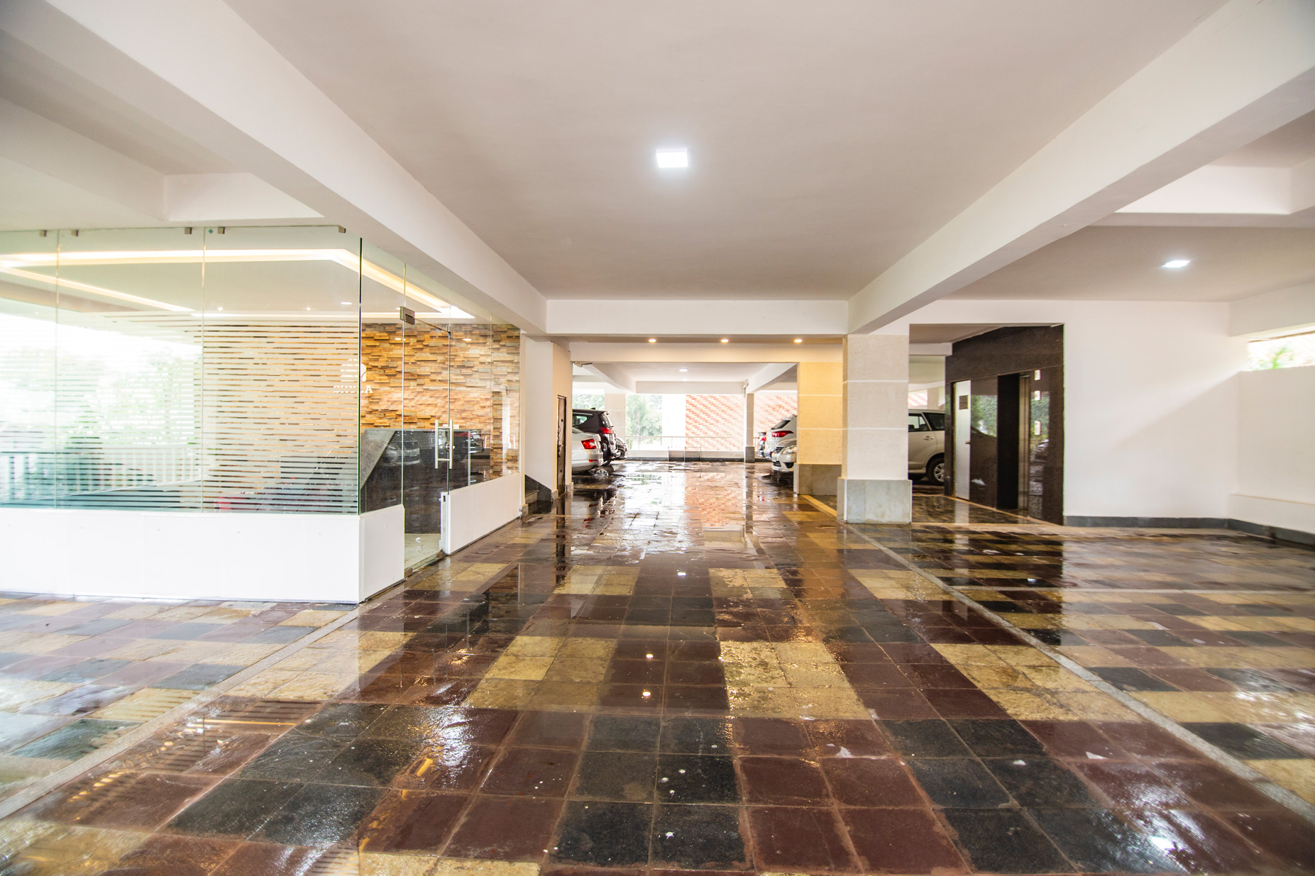 skyla-service-apartment-hyderabad-banjara-hills-bluefox-restaurant-executive6.jpg