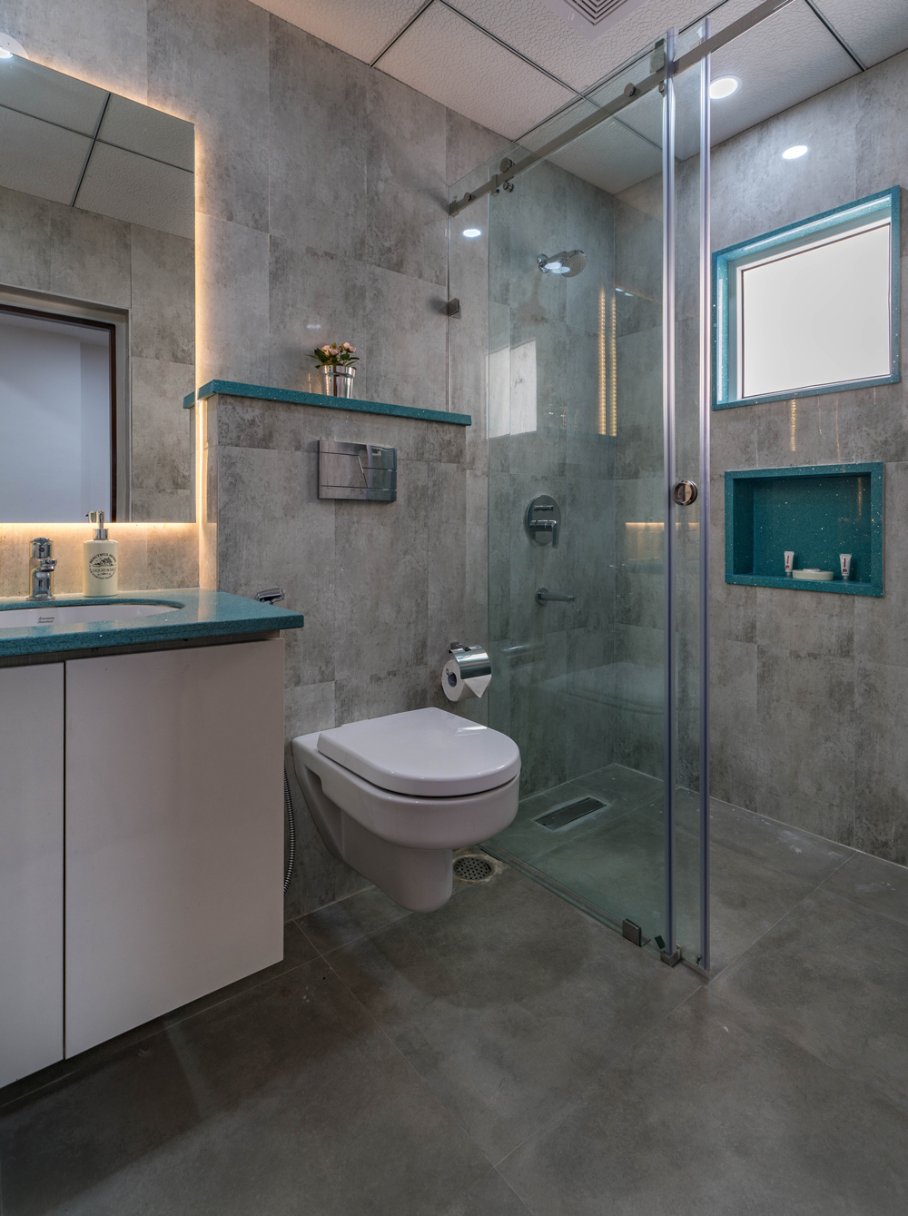 skyla-serviced-suites-kitchen-balcony4.jpg