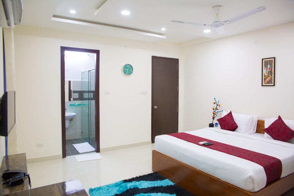 skyla_service_apartments_hyderabad_jubileehills_banjarahills_lotuspond_3bhk2.jpg